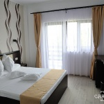 camera-cu-pat-matrimonial-pensiunea-Carasuhat-Delta
