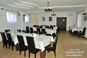 Restaurant in Delta Dunarii la Pensiunea Carasuhat