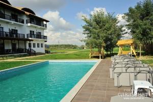 piscina-pensiunea-Carasuhat-Delta-Dunarii